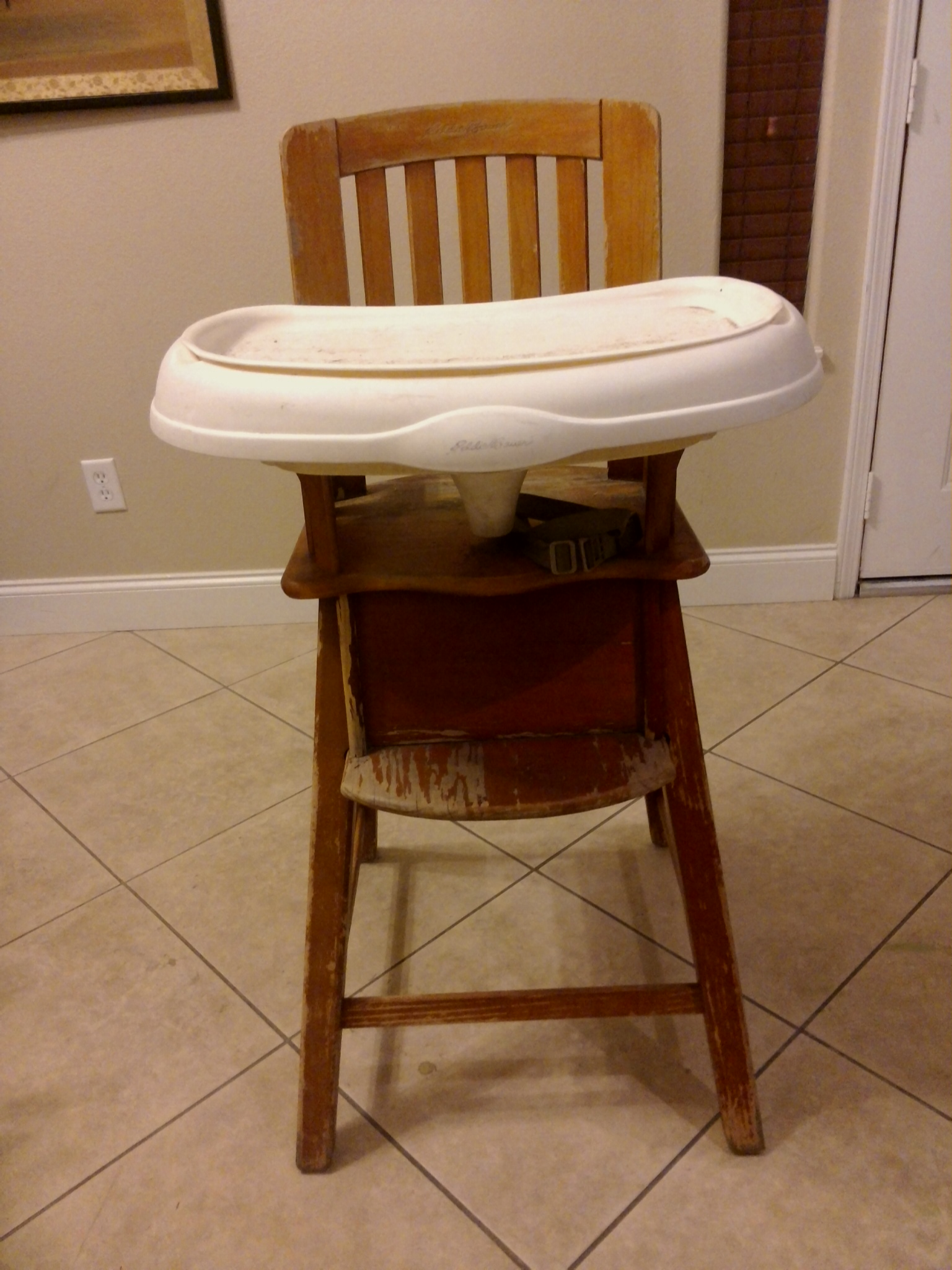Painted wood high chair - For 5 And A Little Paint This Will Be A Gem