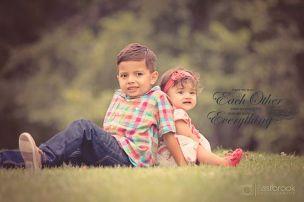 Outdoor-Siblings-Magic-Hour