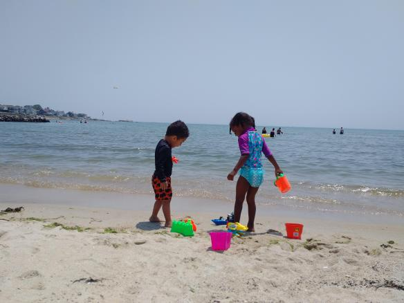 2018 Niantic CT Roacky Neck State Park kids playing on the shore.jpg