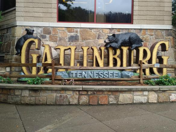 2018 TN Gatlinburg sign.jpg